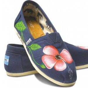 Dure's Pink Flowers Haiti Classic Toms